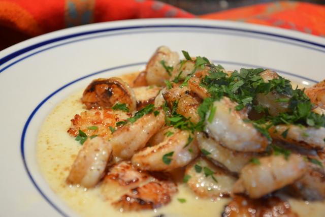Pan Seared Scallops and Shrimp in White Wine Cream Sauce